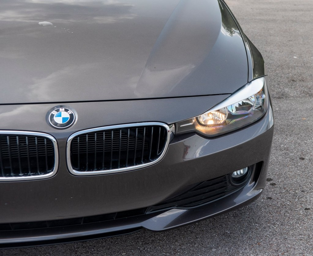 Pre-Owned 2014 BMW 3 Series 320i