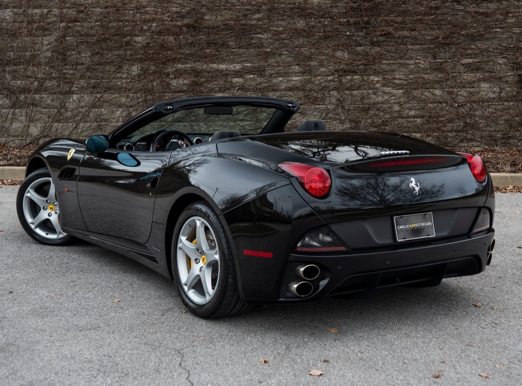 Pre-Owned 2013 Ferrari California Base